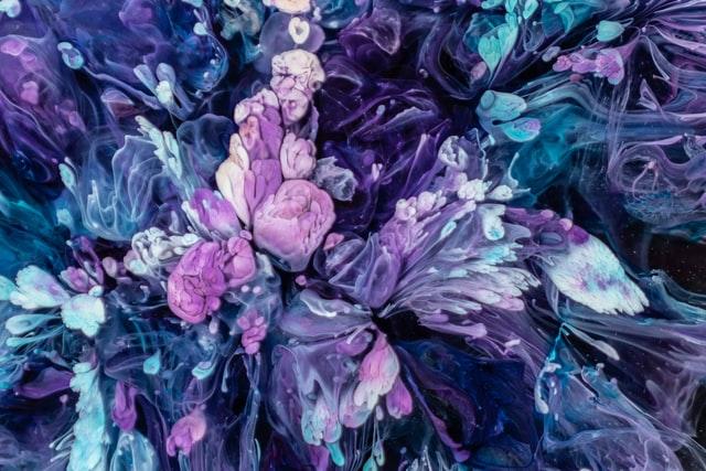 PURPLE FLOWER DRAWINGS - Abstract Purple Flowers by Maryna Yazbeck on Unsplash #PurpleFlowers  #PurpleFlowerDrawings #DigitalPurpleFlowers #iCreateDaily #iArtDaily